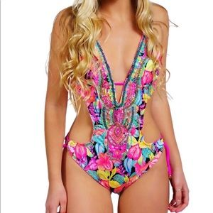 NWT Colorful Floral Colombian Beaded Trikini Set